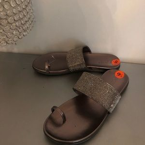 Reaction Kenneth Cole slide sandal shoes NEW